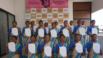 640 SuPoshan Sanginis awarded certificates on Womens Day